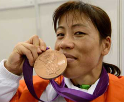 Mary Kom Bags First CWG Gold